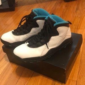 Air Jordan Metro 10 shoes